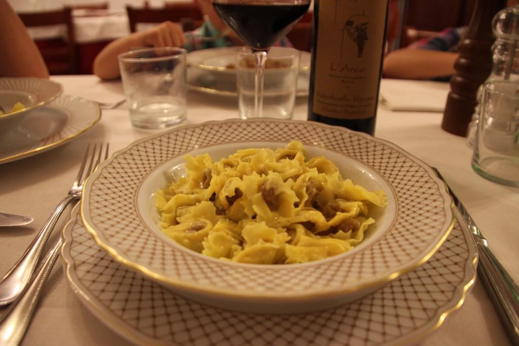 Tortellini di Valeggio sul Mincio al brodo (bouillon)